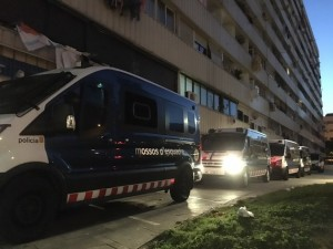 furgonetas-los-mossos-desquadra-mina-esta-madrugada